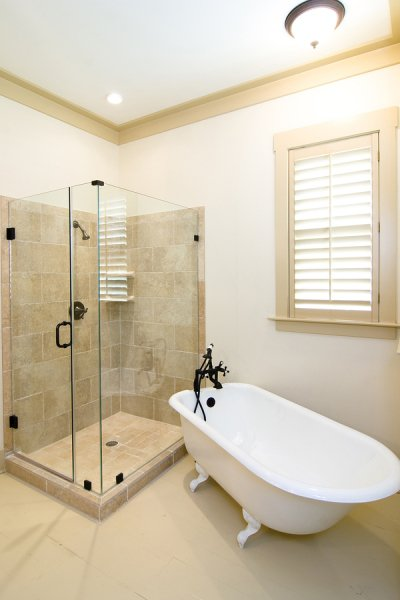 Design Options for a Frameless Shower Enclosure Houston