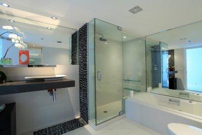glass shower doors in houston